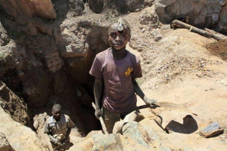 girl congo mining